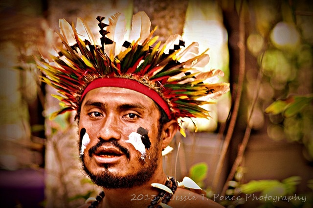 traditional costumes of Papua New Guinea